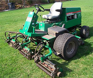 Amsoil ATH Synthetic Tractor Hydraulic is great for power transfer in older gear such as this golf course hydrostatic mower.